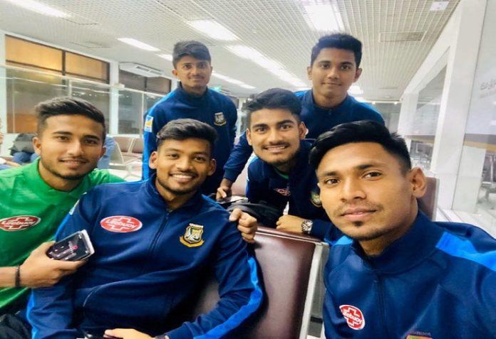 পাকিস্তানের পথে বাংলাদেশ ক্রিকেট দল
